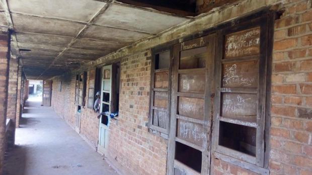 Ancien bâtiment avant la restauration (2)