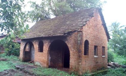 Une ancienne maison de la léproserie qui sera restaurée pour la cuisine